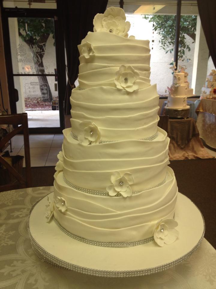 Edible Creations | Fondant Wedding
